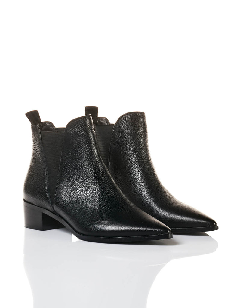 N.Y Pointed Boot