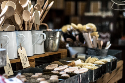 Plastic alternatives and natural utensils and brushware