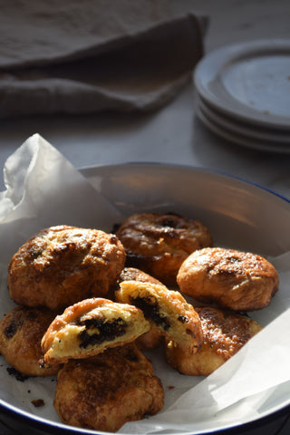 Making_puff_pastry_for_Michelle_Crawford's_eccles_cakes