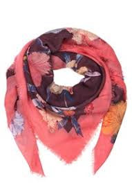 Roses scarf from Beck Sondergaard in Wine Tasting