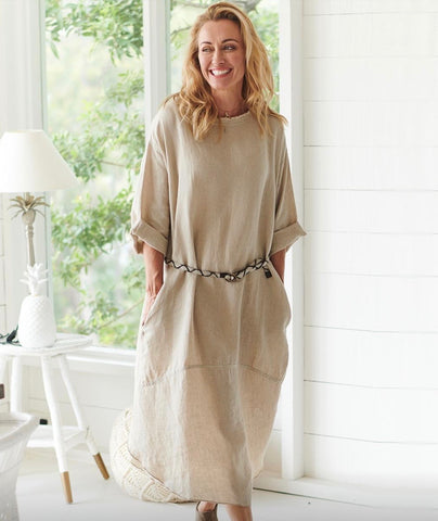 The Malle relaxed fit Dress with pockets in 100% linen 1 size fits all