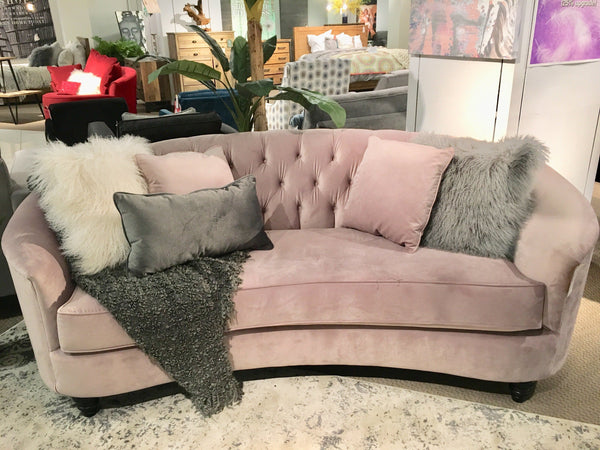 Learn How to Style a Sofa or a Sectional