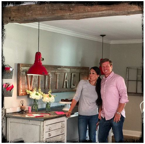 In love with Chip And Joanna Gaines? Let Showhome Furniture Help You With Your FIXER UPPER!