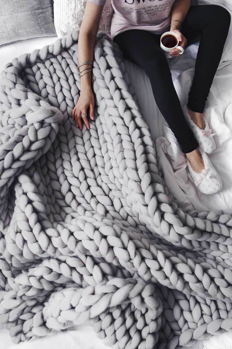LARGE EXTREME CHUNKY BRAID BLANKET - Showhome Furniture