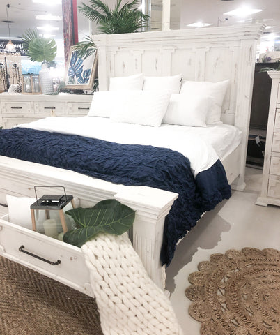 Exquisite Sleigh Bed