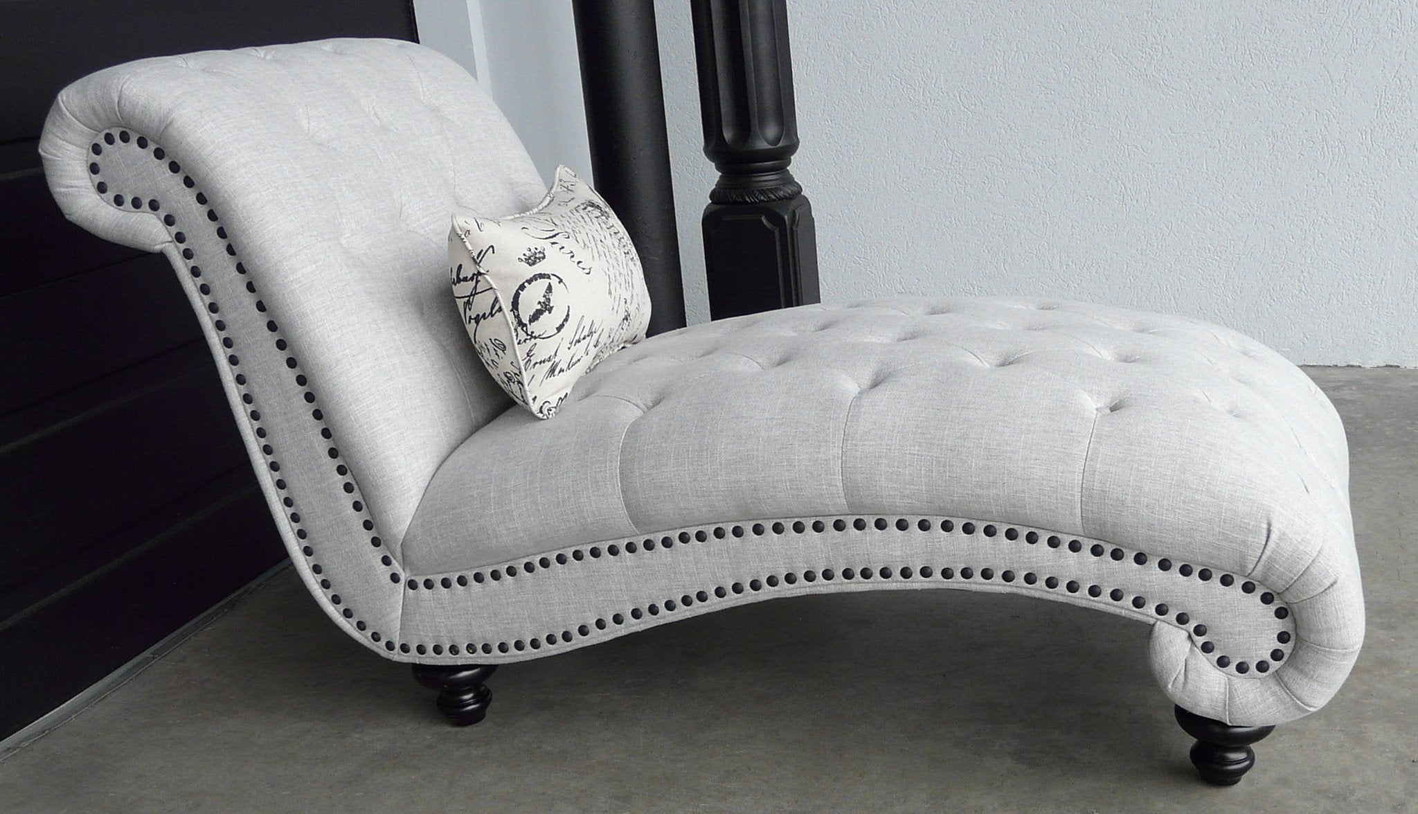Beverly Tufted Chaise Chaise Elite