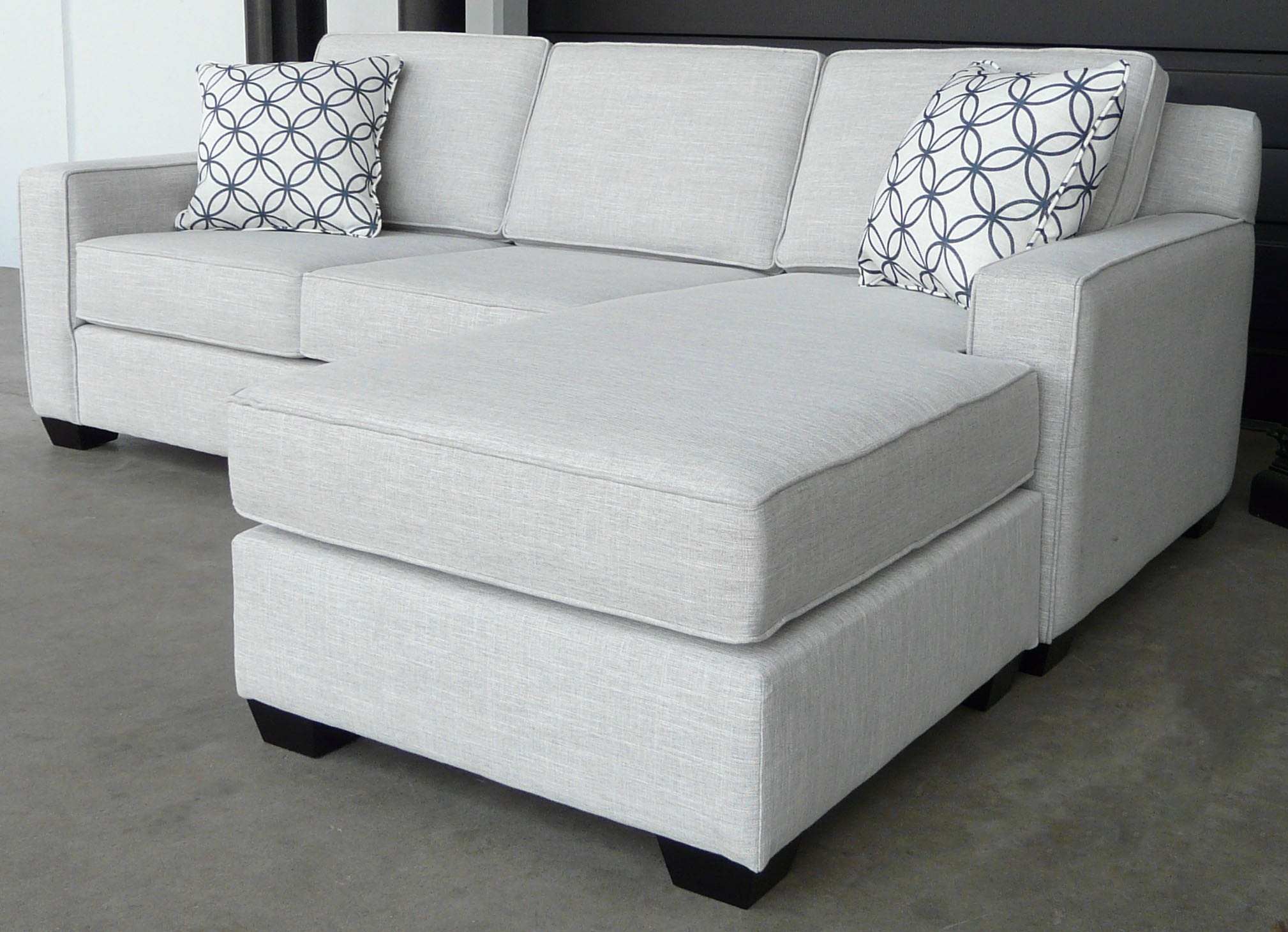 BROADWAY SOFA CUSTOM CANADIAN BY ELITE Sectional Elite