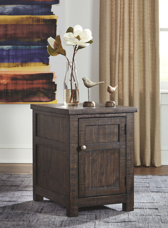 Hillcott Chairside End Table | Calgary's Furniture Store