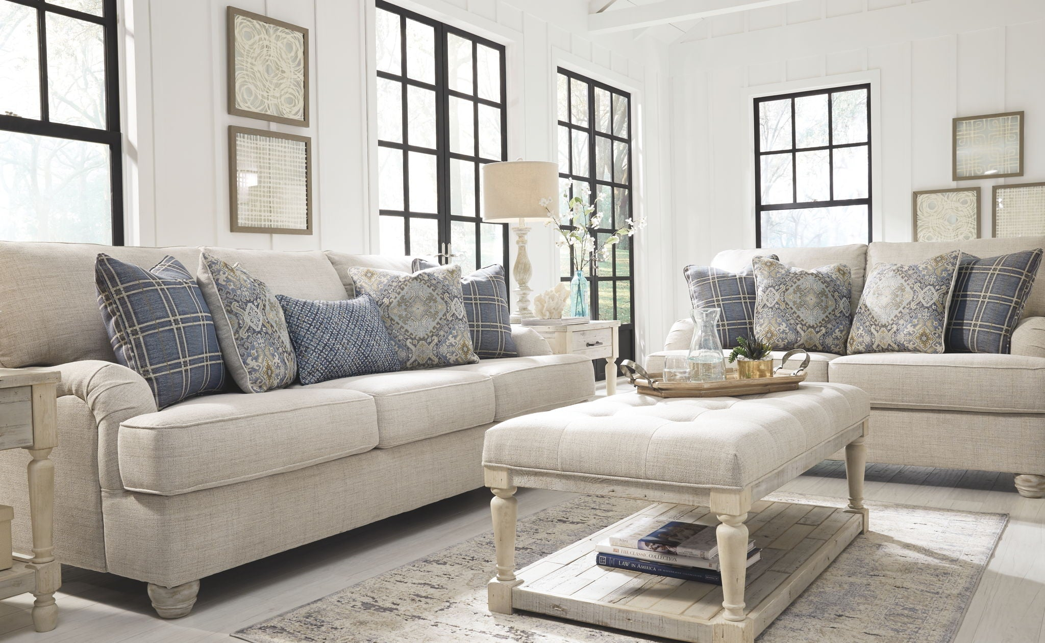 Traemore Sofa | Showhome Furniture