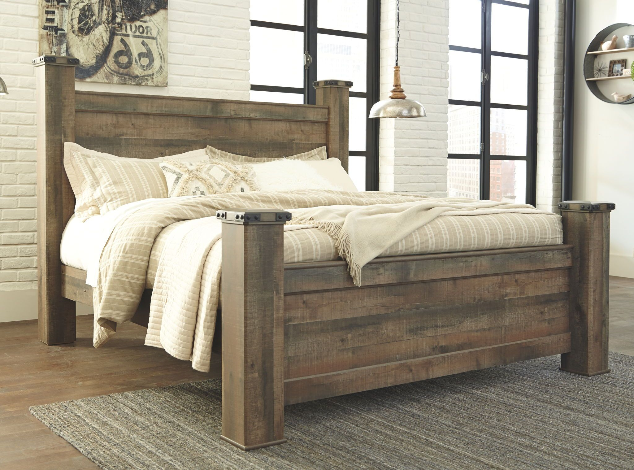 Trinell Poster Bed | Showhome Furniture