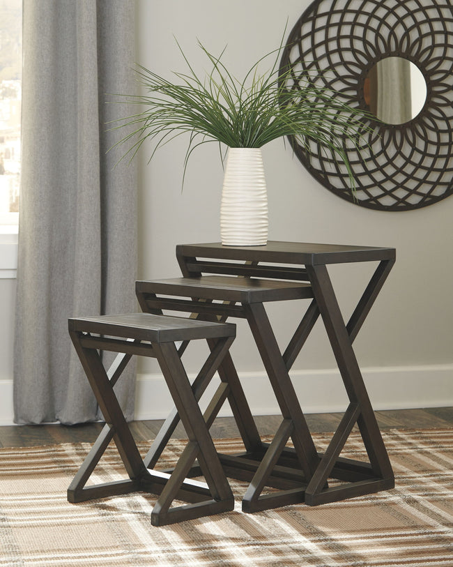 Cairnburg Accent Table (Set of 3) | Calgary's Furniture Store