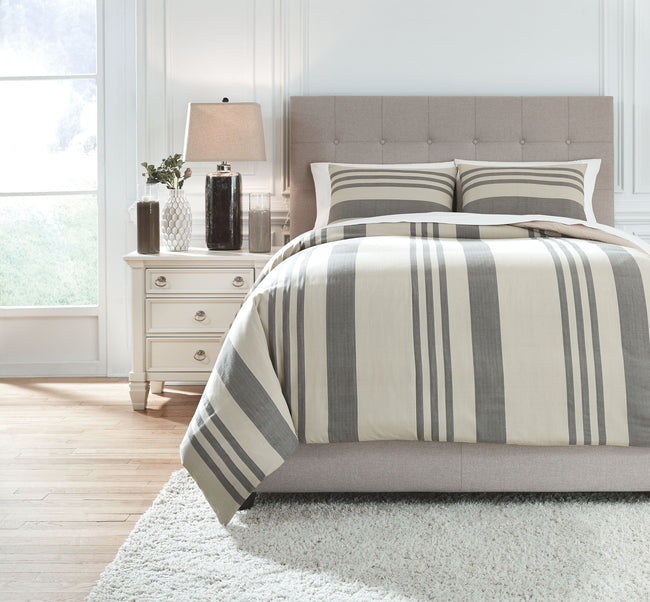Schukei Comforter Set | Calgary's Furniture Store