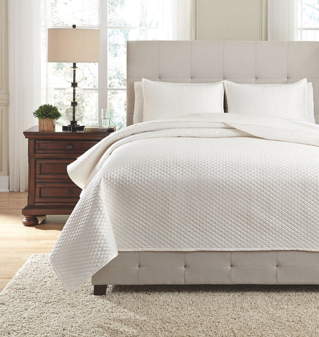 Dietrick Quilt Set | Calgary's Furniture Store