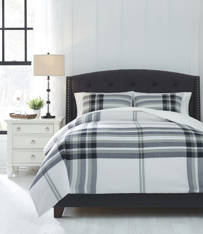Stayner Comforter Set | Calgary's Furniture Store