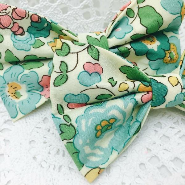 Classic Bow ~ Betsy D (Green)