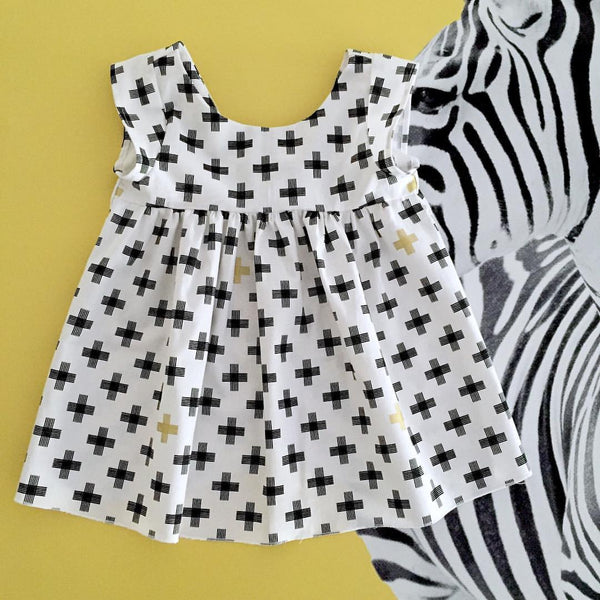 Destash - Yumminess  - size 4 - EUC - black cross