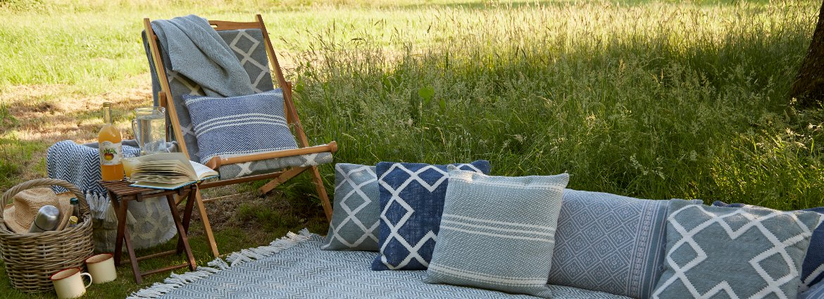 Outdoor picnic cushions