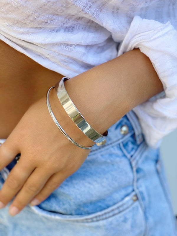 JAYDEN  Clam Bangle Bracelet