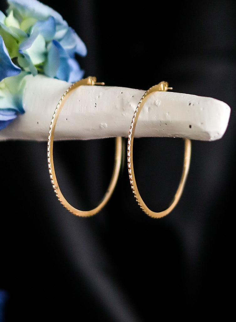 IZZY Pyramid Edge Hoop Earrings