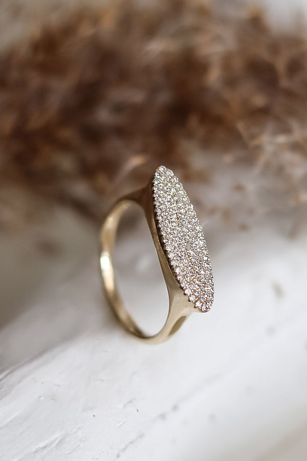 HORIZONTAL Oval Diamond Rings