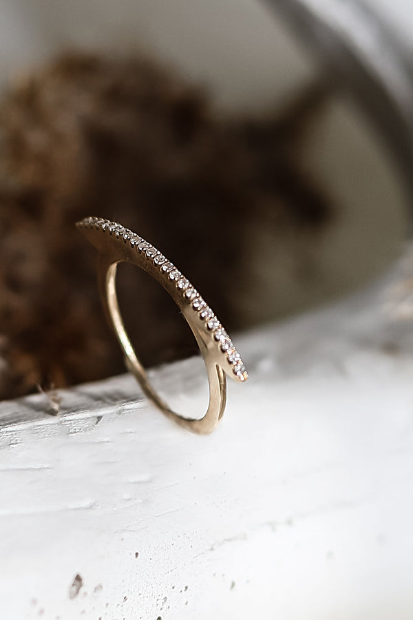 MARA CURVED Band Ring