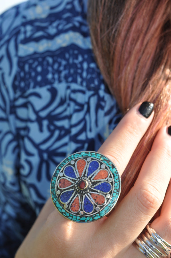 SOLA VINTAGE ROUND SILVER STATEMENT RING
