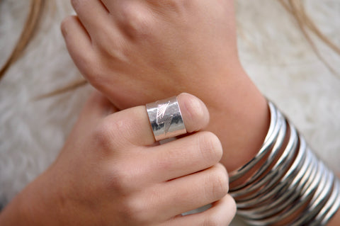 Reese Bolt Ring