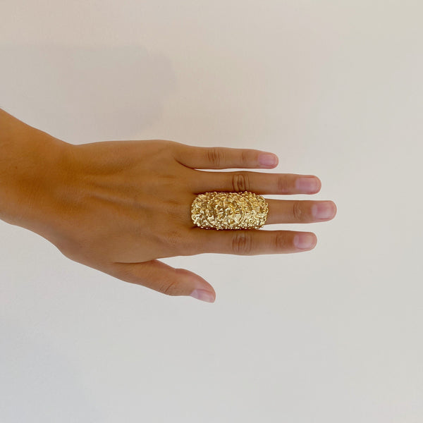 CAITLAN CARVED RING - GOLD