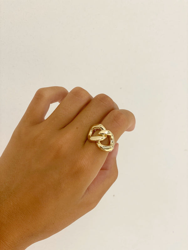 CYNTHIA CHAIN STATEMENT RING
