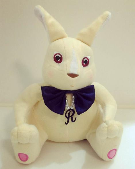 一隻魔法兔 One Rabbit Doll