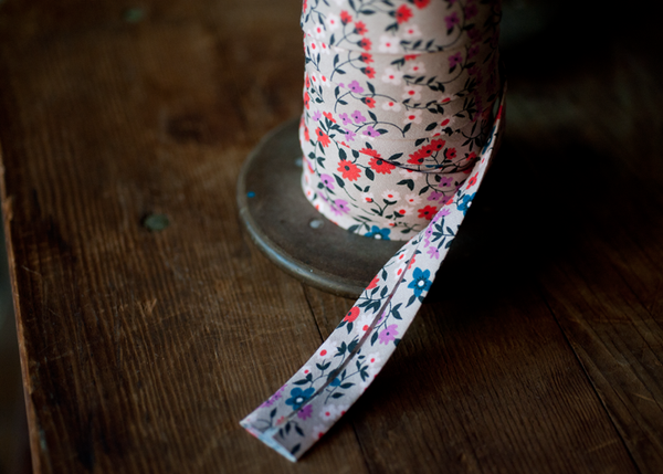 Bias Tape - Cotton + Steel Clothesline Floral
