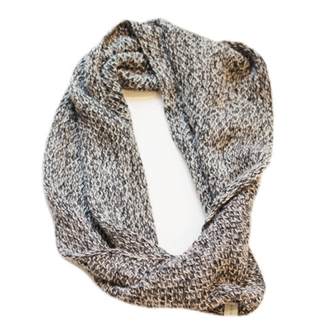 Amayi Honeycomb Snood - Grey & Black 1