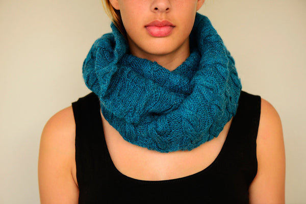 Amayi Cable Loop Snood - Teal 2