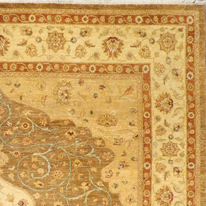 "8'1""x9'10"" Classic Medallion Kerman Tan Wool Hand-Knotted Rug"