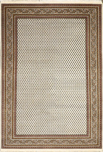 "6'x8'10"" Decorative Ivory Sarban Wool Hand-Knotted Rug"