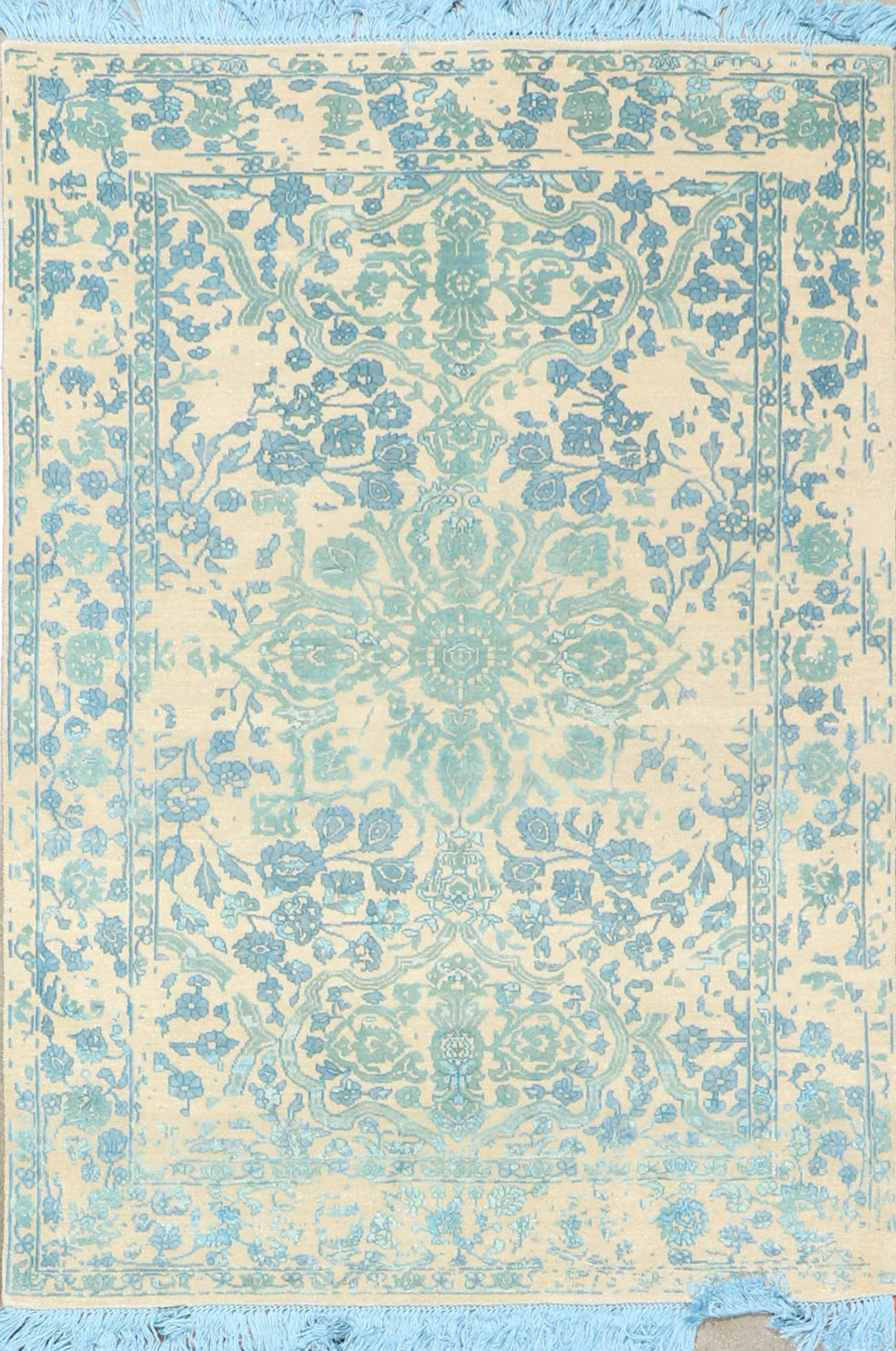 "4'1""x5'11"" Transitional Ivory Blue Green Wool & Silk Hand-Knotted Rug"