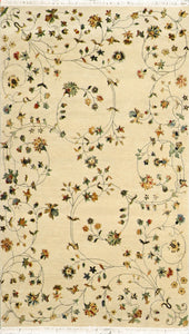"4'x6'10"" Decorative Tan Wool & Silk Hand-Knotted Rug"