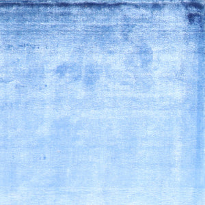 "5'4""x7'9"" Contemporary Blue Silk Hand-Knotted Rug"