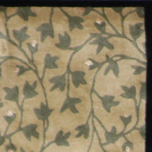 "Load image into Gallery viewer, 3'11""x6'2"" Decorative Overall Leaves Wool & Silk Hand-Tufted Rug"