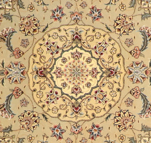 "5'6""x5'6"" Decorative Ivory Wool & Silk Hand-Tufted Rug - Direct Rug Import 