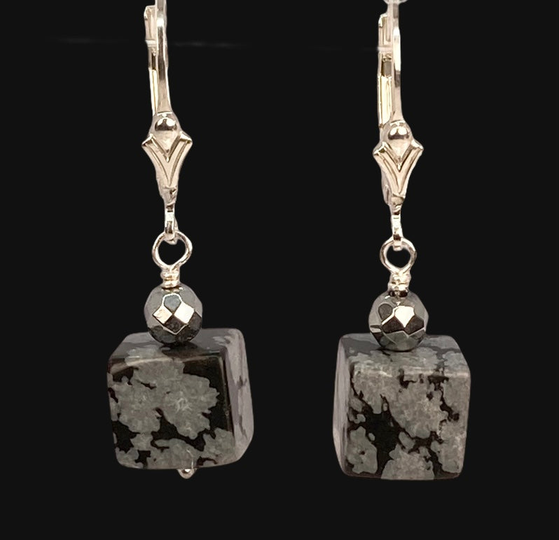 hematite and snowflake obsidian caged necklace and earrings,hematite and obsidian jewelery set,hematite caged beads choker and earrings