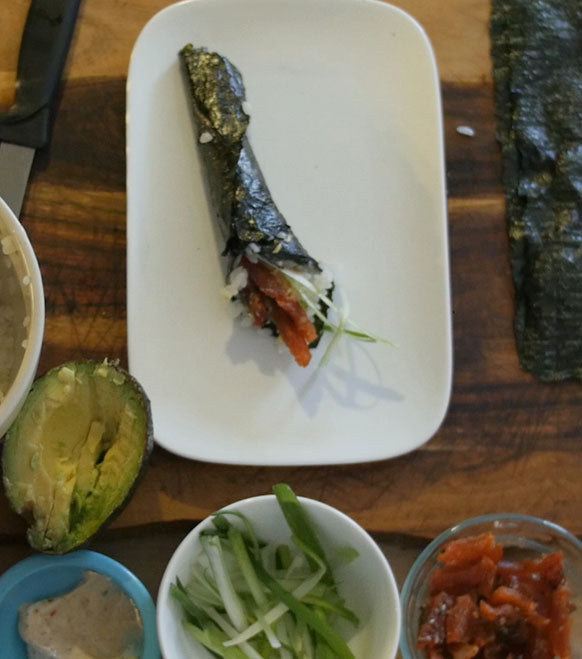 Recipe: Salmon Bites Avocado Maki Rolls
