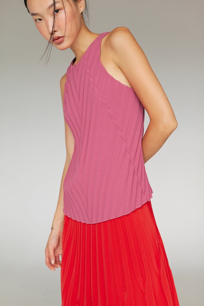 YUVI PLEATED TOP SS20