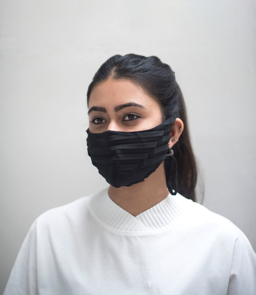 PLEATED MASK
