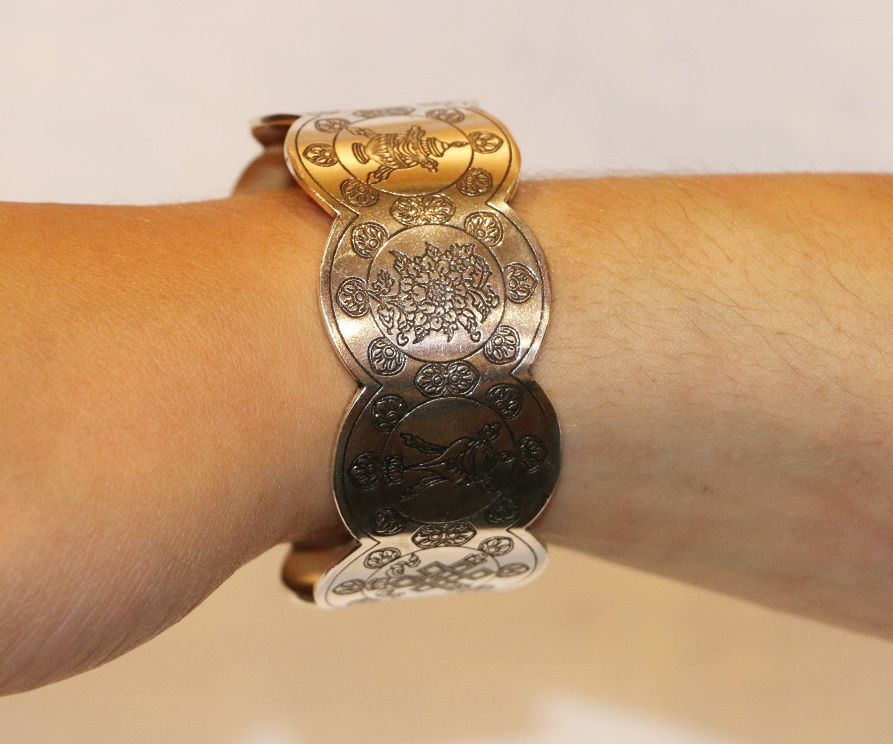 The Eight Auspicious Sign Bracelet - Tibet Arts & Healing