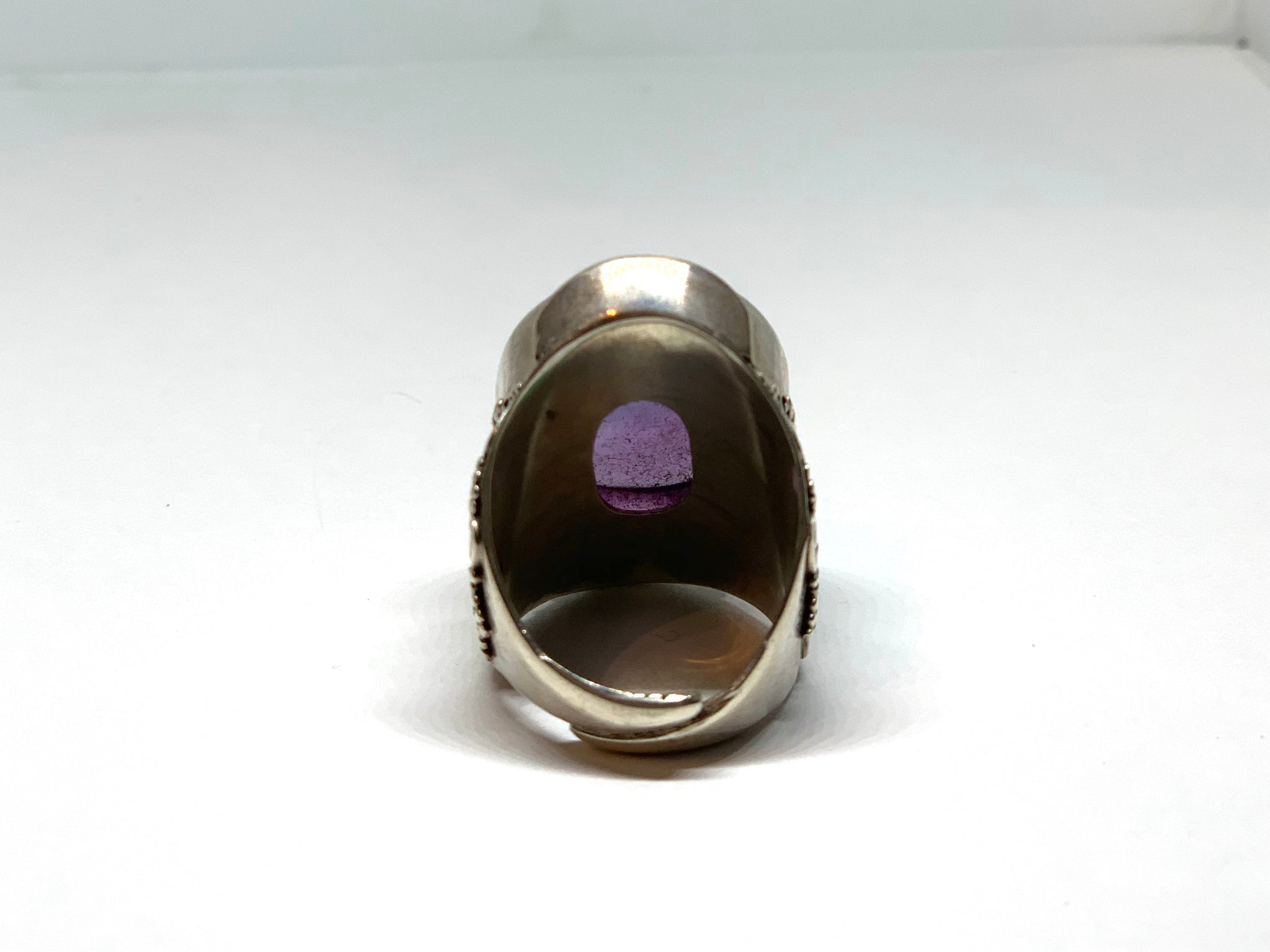 ROUND AMETHYST SADDLE SILVER RING