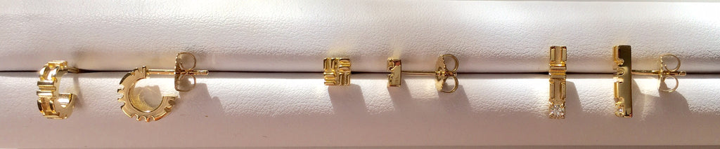 18K Yellow Gold City Stick Stud Earrings