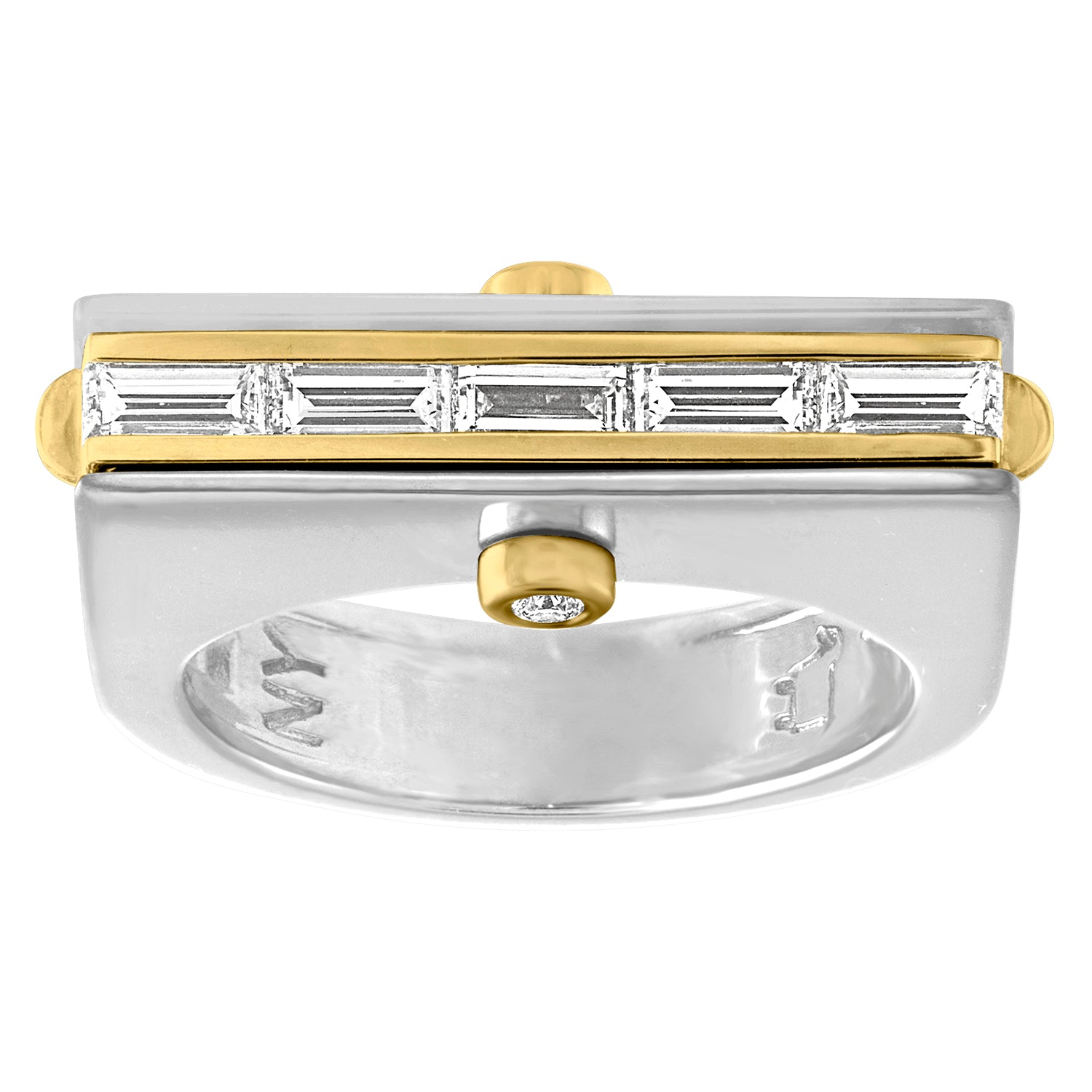 Baguette and round diamond ring in 18K
