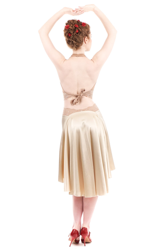 the signature skirt in butter champagne