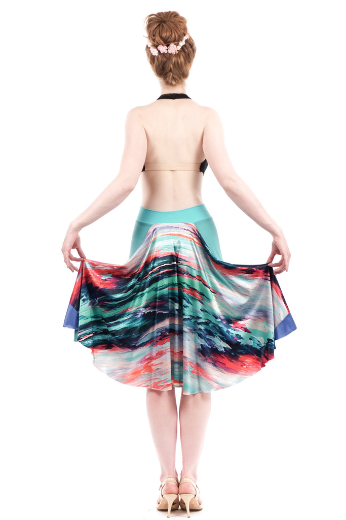 the signature skirt in painted sky